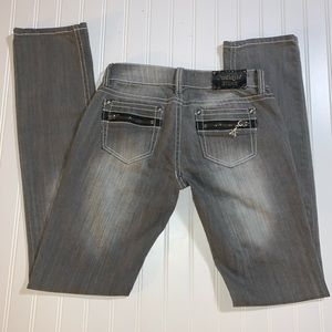 Antique Rivet straight grey 28